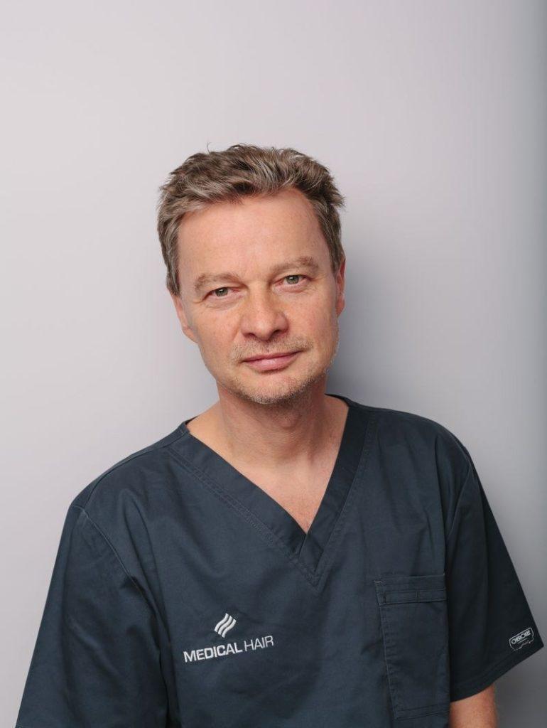 dr-wojciech-chrominski-przeszczep-wlosow-medical
