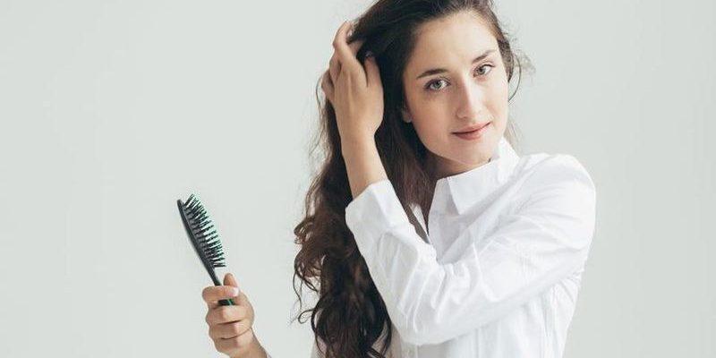 jak zapobiec starzeniu się włosów